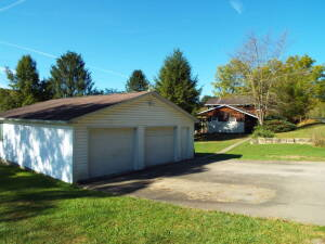 3 Bedroom 3 Bath Home & Garage