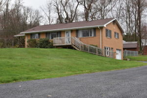 3 Bedroom Cheat Lake Area Home The Estate of Walter Dale Stout