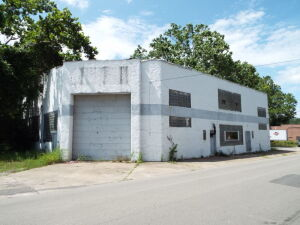 Commercial Building 7,950 +/- SQ FT.