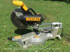 Dewalt 12 inch sliding compound miter saw