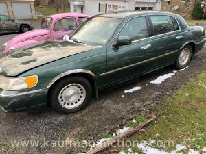 1998 Lincoln town car Vin #1LNFM81W6WY624035 HAVE TITLE