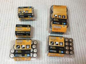 Aa, aaa, 9 V, and d batteries