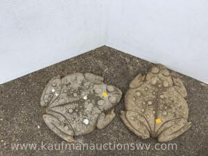 Two Concrete decorative frog step stones
