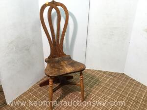 Quartersawn oak 3 legged chair