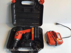 Black and decker 18 V drill with battery and charger