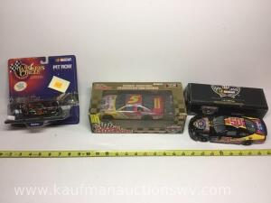 1/24 scale number five, number fifty 50th anniversary cars and pit row series Kenny urwin set