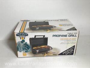 Table top propane grill, new