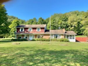 Country Setting 4 Bedroom Home On 6 +/- Acres