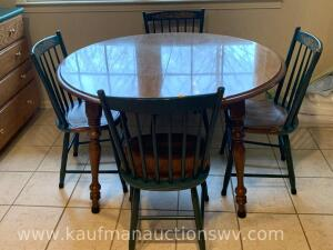 L. Hitchcock kitchen table w/ 4 chairs and 2 extra leaves