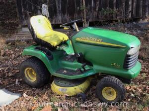 "John Deere LT 170 42"" lawnmower"