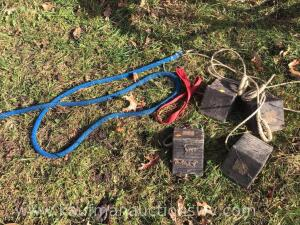 Lead rope and small rubber wheel chocks