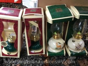 4 decorated oil lamps