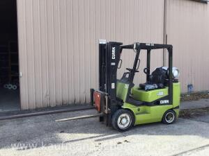 Clark Model CGC 25 Forklift Serial# C365L-0643-9393FB
