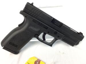 Springfield XD 9 x 19 pistol w/ Case and accessories -serial XD166189