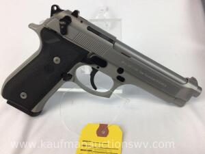 Beretta model 92FS- 9mm parabellum stainless pistol w/ 2 magazines and case NIB -serial BER673478